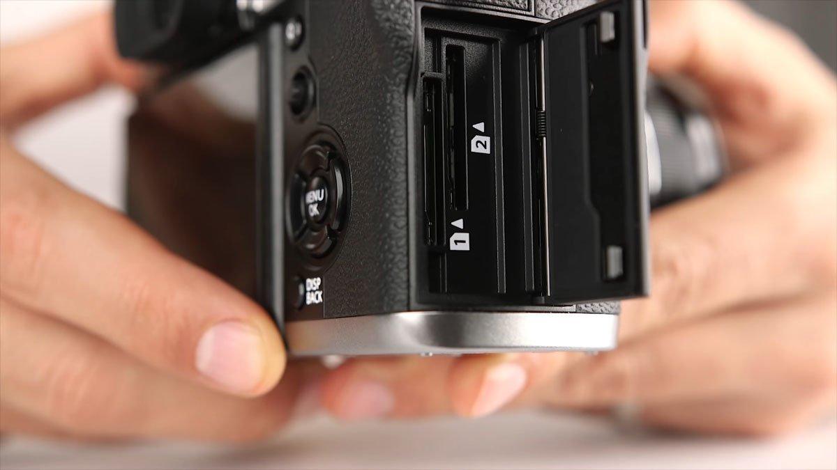 Fuji X-T3 Dual SD Slots