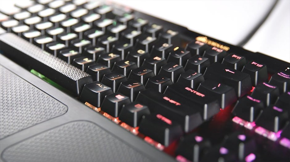 How to Clean a Mechanical Keyboard - mechanical keyboard after cleaning
